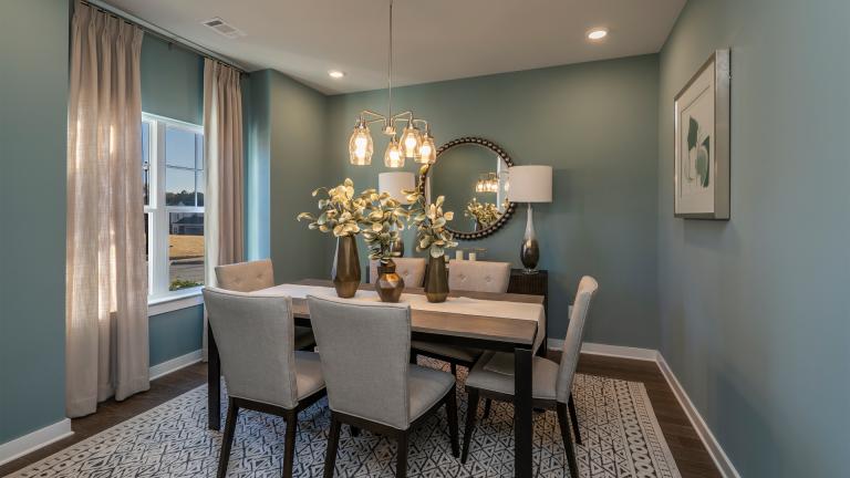 dining room in Creekwood