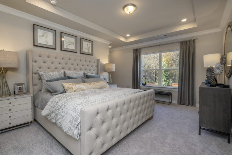 A bedroom in 55 and up community Gladstone Landing