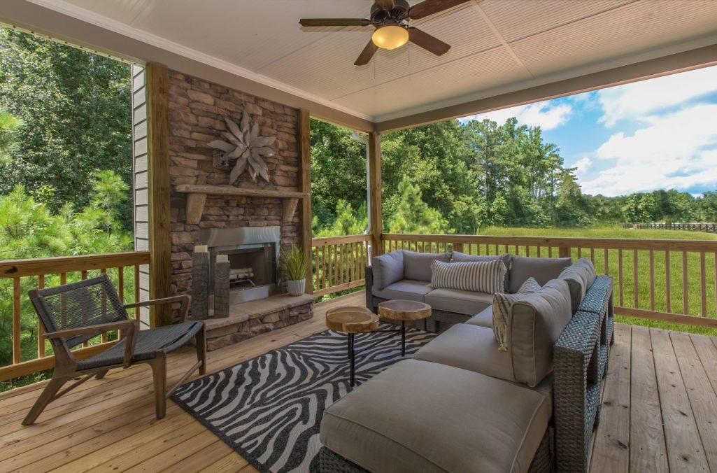 Fall Home Decor Makes Outdoor Spaces Cozier