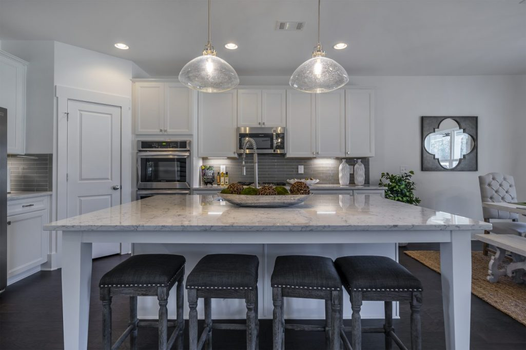Add Fall Home Decor to Your New Construction Kitchen at Oakleigh Pointe